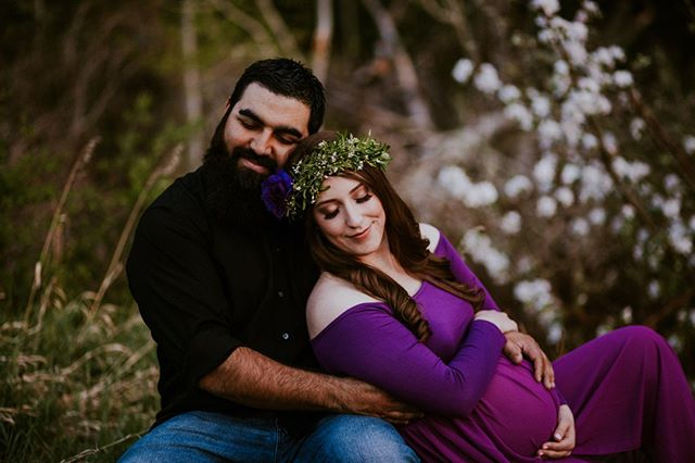 The sweetest maternity session with the sweetest couple! This was so fun to be a part of and knowing how much love their little one was already surrounded by 💜💜💜 ⠀⠀⠀⠀⠀⠀⠀⠀⠀ .⠀⠀⠀⠀⠀⠀⠀⠀⠀ Peep those lashes 👀😉 @kissproducts