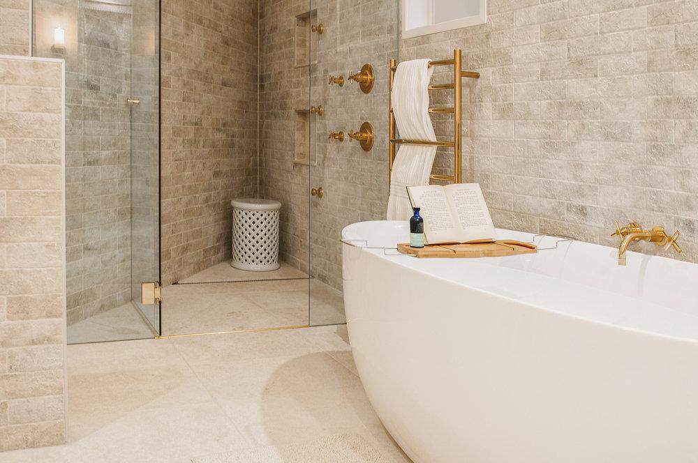 Barellen-7-Bedroom-1c-6-Master-Bathroom-DSC_6861.jpg