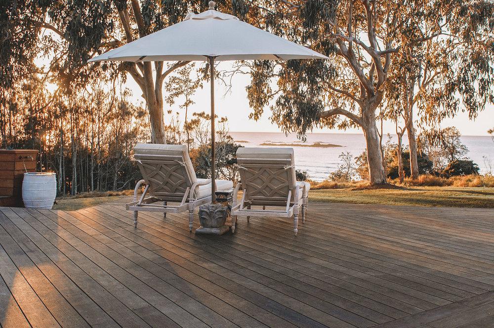 Barellen-2a-Beach-Side-Deck---Sun-Chairs-DSC_6628.jpg