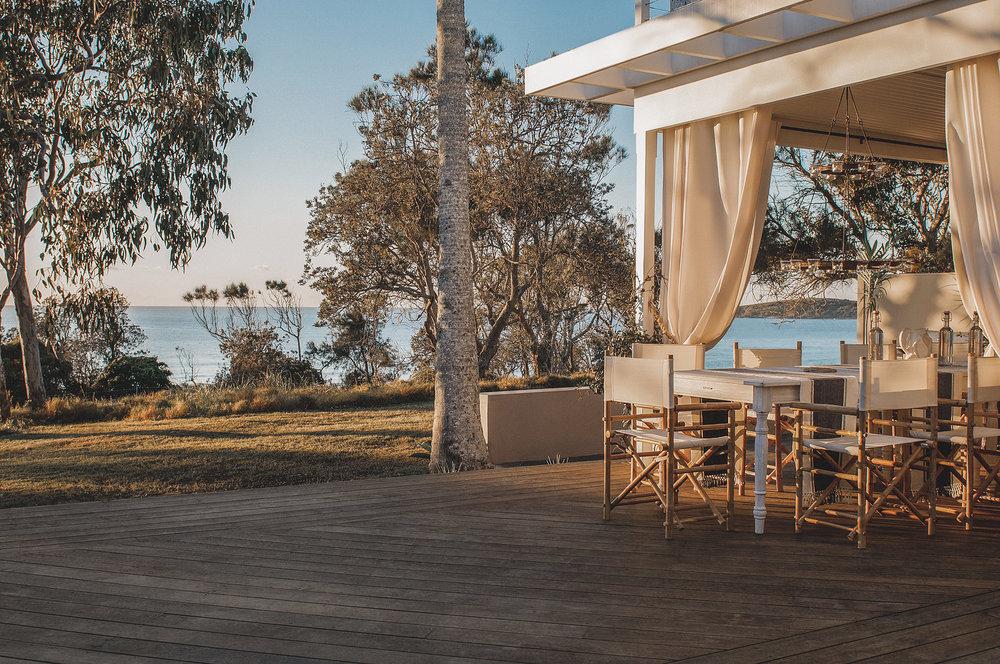 Barellen-2d-Beach-Side-Deck---Outdoor-Dining-DSC_6627.jpg