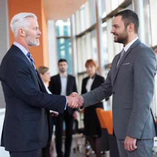CREACIÓN DE CLIENTES - Creamos y ejecutamos tácticas de marketing para atraer, convertir y retener clientes. Diseño, implementación y operación de estrategias de Generación de Demanda.