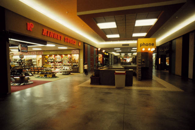 Interior of the Everett mall in June 1975 // Neil House (from the NW Room's digital collection).