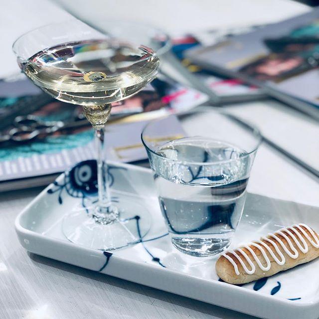 @cafune.dk Årets sidste arbejdsdag er kommet! Tak til alle kunder for 2018😘 #godtnytår @yerstglas #champagneskåle#yerstglas.dk