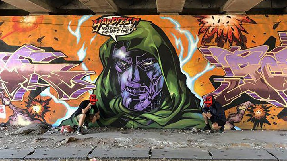 KRINGE - The artist known as KRINGE specialises in photographing graffiti art, with graffiti writing being a focus.