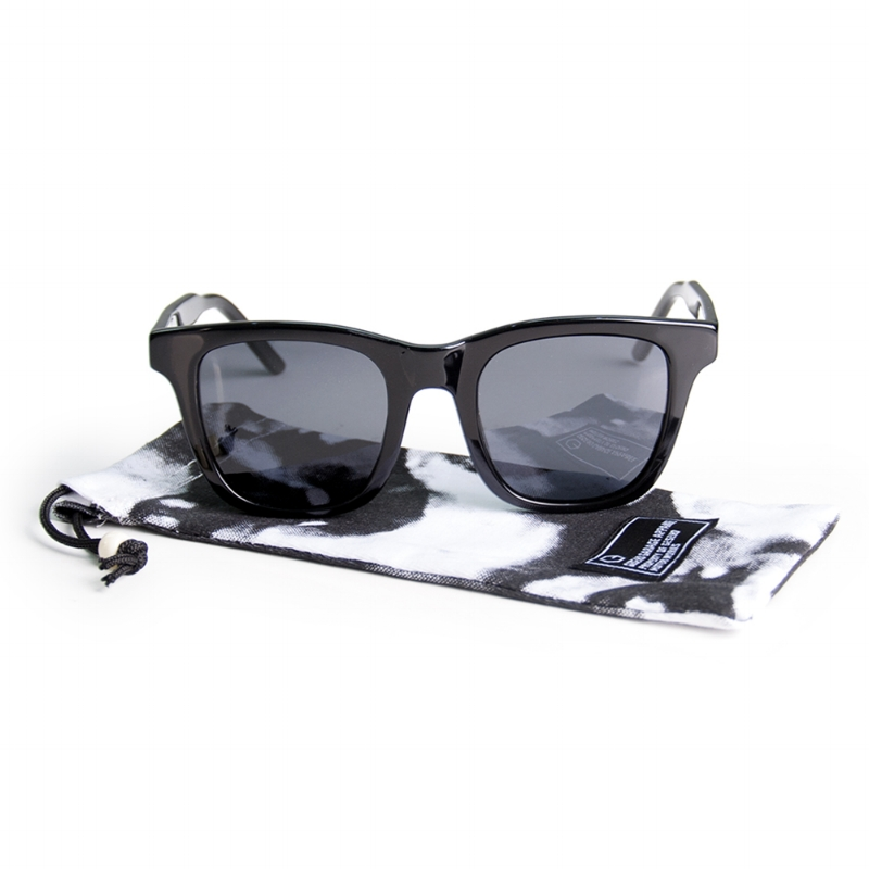 Geseho-Black-Sunglasses_01.jpg