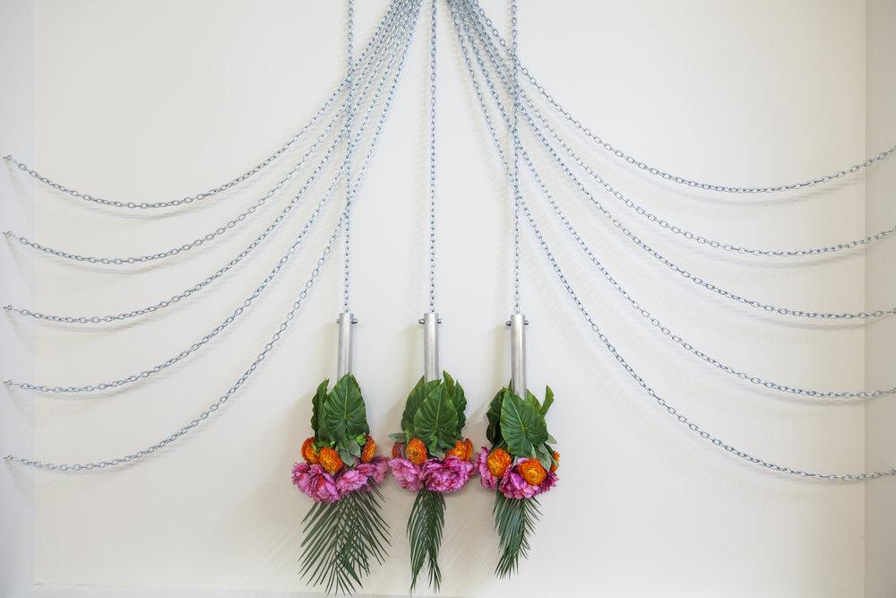 Curtain, Chain, Fountain