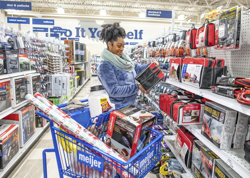 Holiday Shopping 2018.jpg
