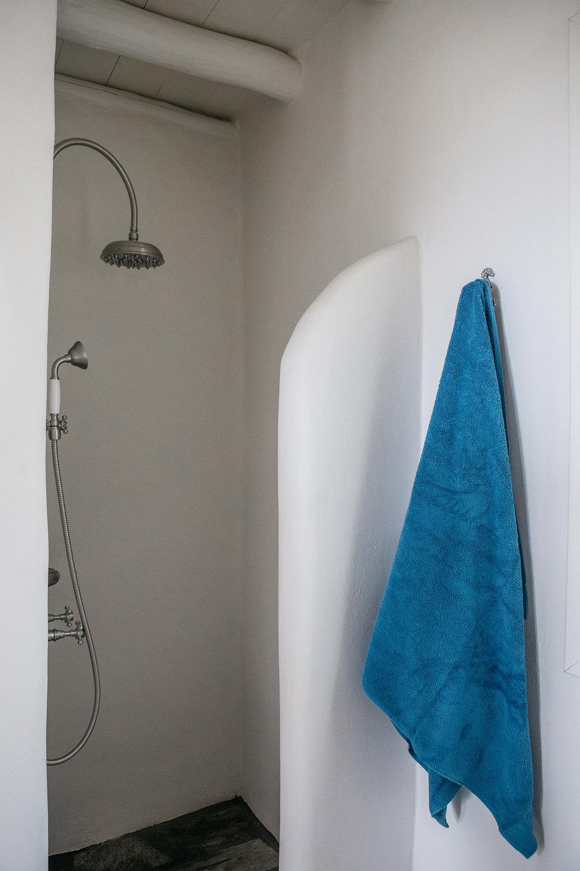 bathroom_renee-kemps.jpg