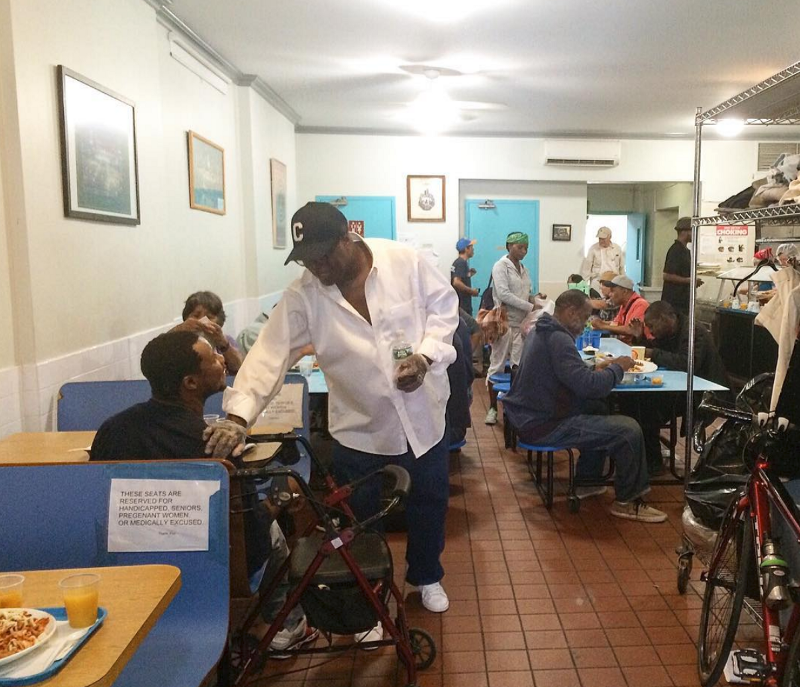 Community members eating a meal together at CHiPS.