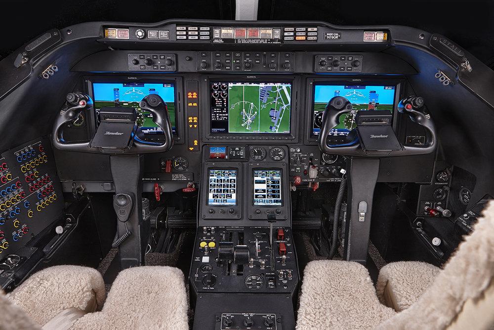 Hawker_400XP_Cockpit_Light-Jet_Legacy_Aviation_Private_Jet_NetJets_Jet_Charter_TEB_VNY_MIA_PBI_FRG_SFO_FLL_FXE_BED.jpg