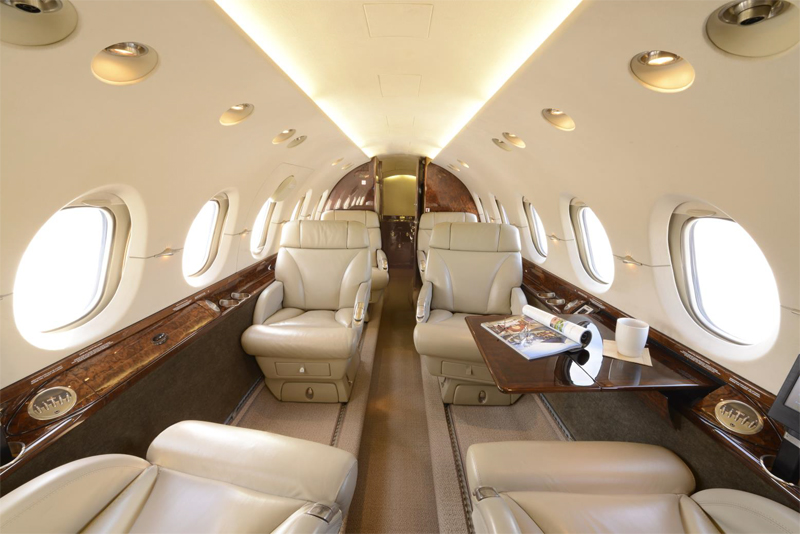 Hawker-800XP_Mid Jet_Int-2_Legacy_Aviation_Private_Jet_NetJets_Jet_Charter_TEB_VNY_MIA_PBI_FRG_SFO_FLL_FXE_BED.jpg