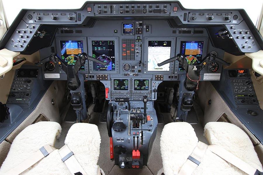 Hawker-850XP_Mid Jet_Cockpit_Legacy_Aviation_Private_Jet_NetJets_Jet_Charter_TEB_VNY_MIA_PBI_FRG_SFO_FLL_FXE_BED.jpg