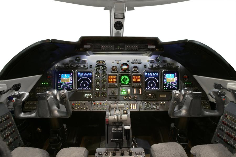 Lear-60_Mid Jet_cockpit_Legacy_Aviation_Private_Jet_NetJets_Jet_Charter_TEB_VNY_MIA_PBI_FRG_SFO_FLL_FXE_BED.jpg