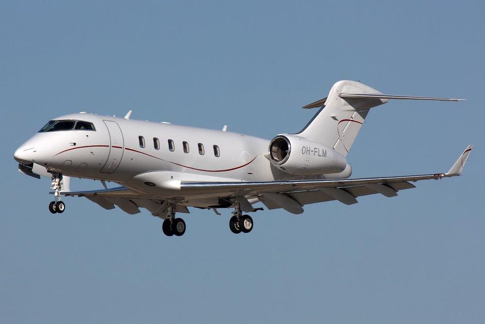 Bombardier_BD-100-1A10_Challenger_300_AN1704544.jpg