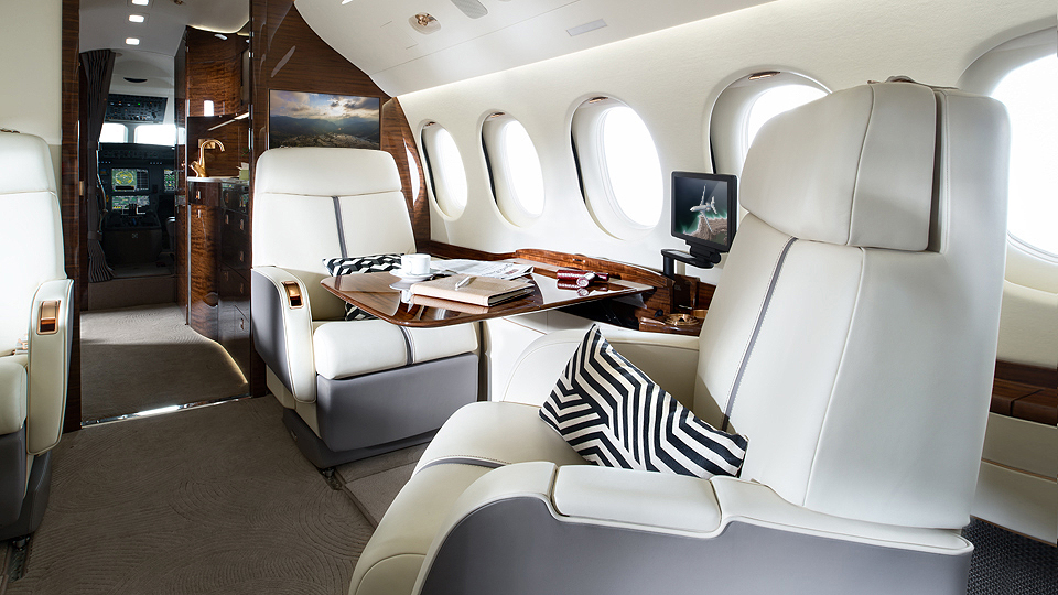 02-Falcon7X_VIP_3-960x540.jpg