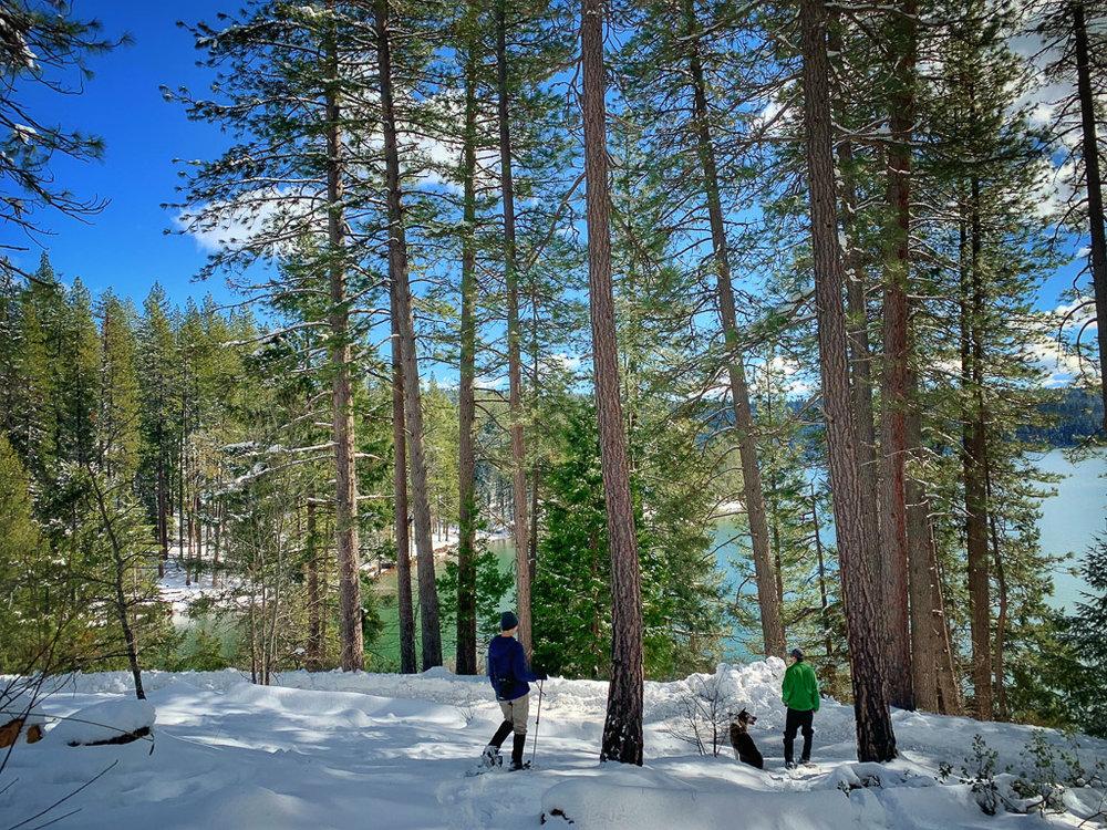 snowshoeing_at_lake.jpg