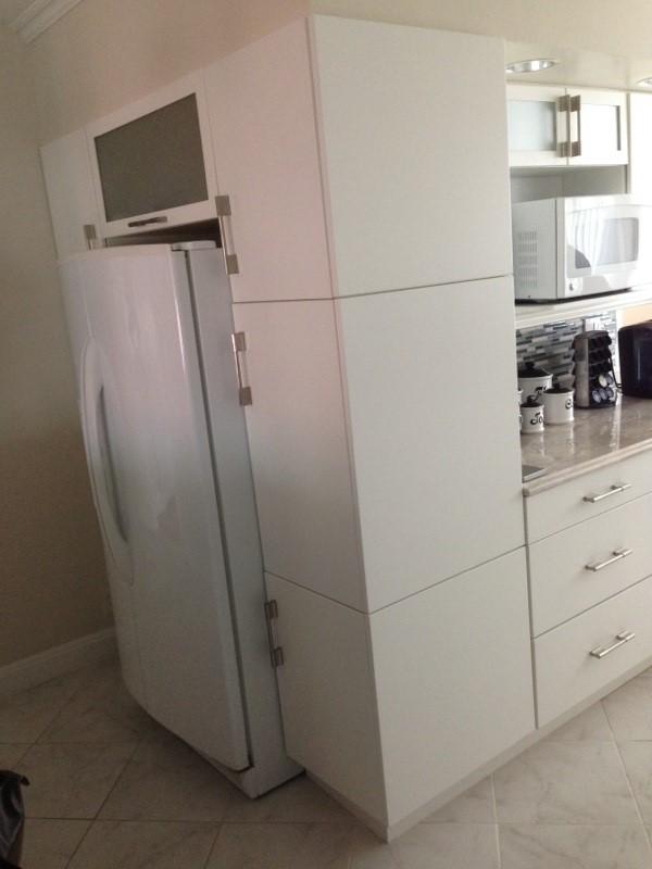 white kitchen 4.jpg