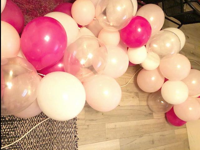 DIY Balloon Garland | DesignerLipService.com