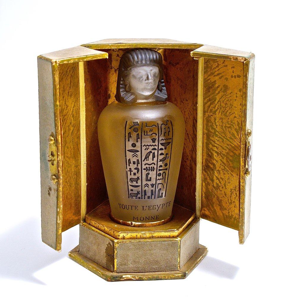 1917 Baccarat, Monne  Toute l'Egypt  $38,400