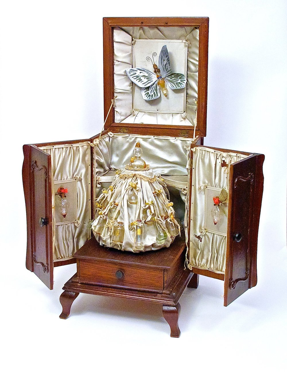 1920s Hetra-Czech Holman perfume Victrola $9,600