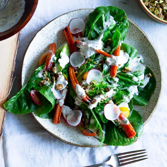 spring salad recipe-www.beyondthebayoublog.com