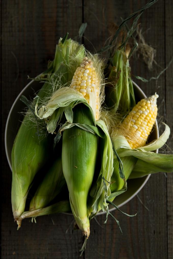 summer creamed corn recipe-www.beyondthebayoublog.com