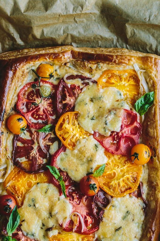 summer tomato tart recipe-beyondthebayoublog
