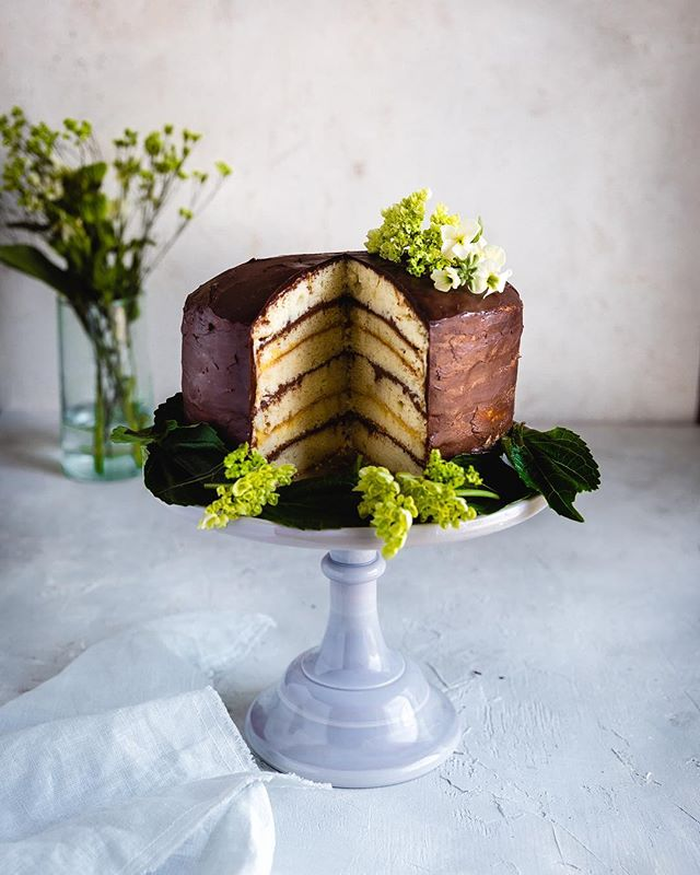 Dreaming of this Doberge cake! Still pretty shocked I attempted a six-layer cake and it didn't end up on the ground or a complete total mess! So making this again but mini ones to give away. Happy Tuesday!! . . . . . . . . #f52grams #makeitblissful #vsco #chocolate #ganache #wsbakeclub #bakefromscratch #thebakefeed #tastingtable #bakersofinstagram #abmlifeissweet #foodporn #foodstyling #vscofood #buzzfeat #foodstyling #lifeandthyme #bonappetite #cake #cakeporn #foodphotographyschool #sodomino #bhgfood #sweeeeets #imsomartha #thatsdarling