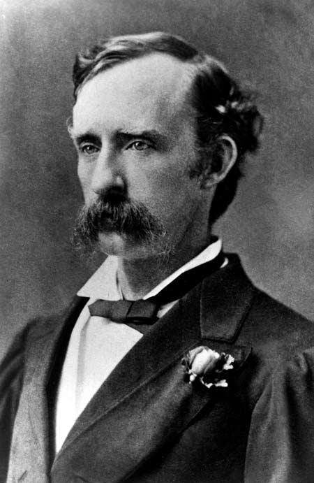 Custer_rose-in-lapel_1875.jpg