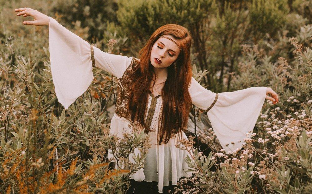 Ellysa gyspy singer songwriter image