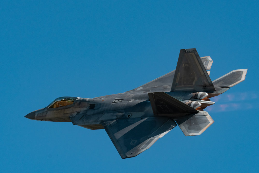 F22 Raptor flys over the Wings Over North Georgia Airshow in 2018.