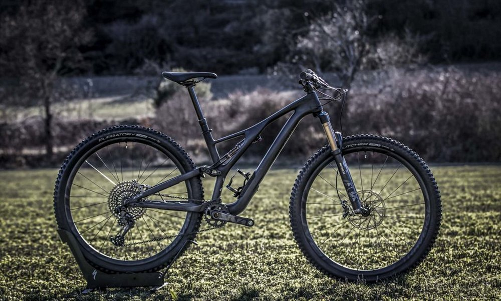 The S-Works Stumpjumper ST 29er features 130 millimeters up front, 120 millimeters of rear travel and top-shelf componentry throughout. Interestingly, the spec sheets for all sizes of the new Stumpjumpers show 170-millimeter long crank arms.