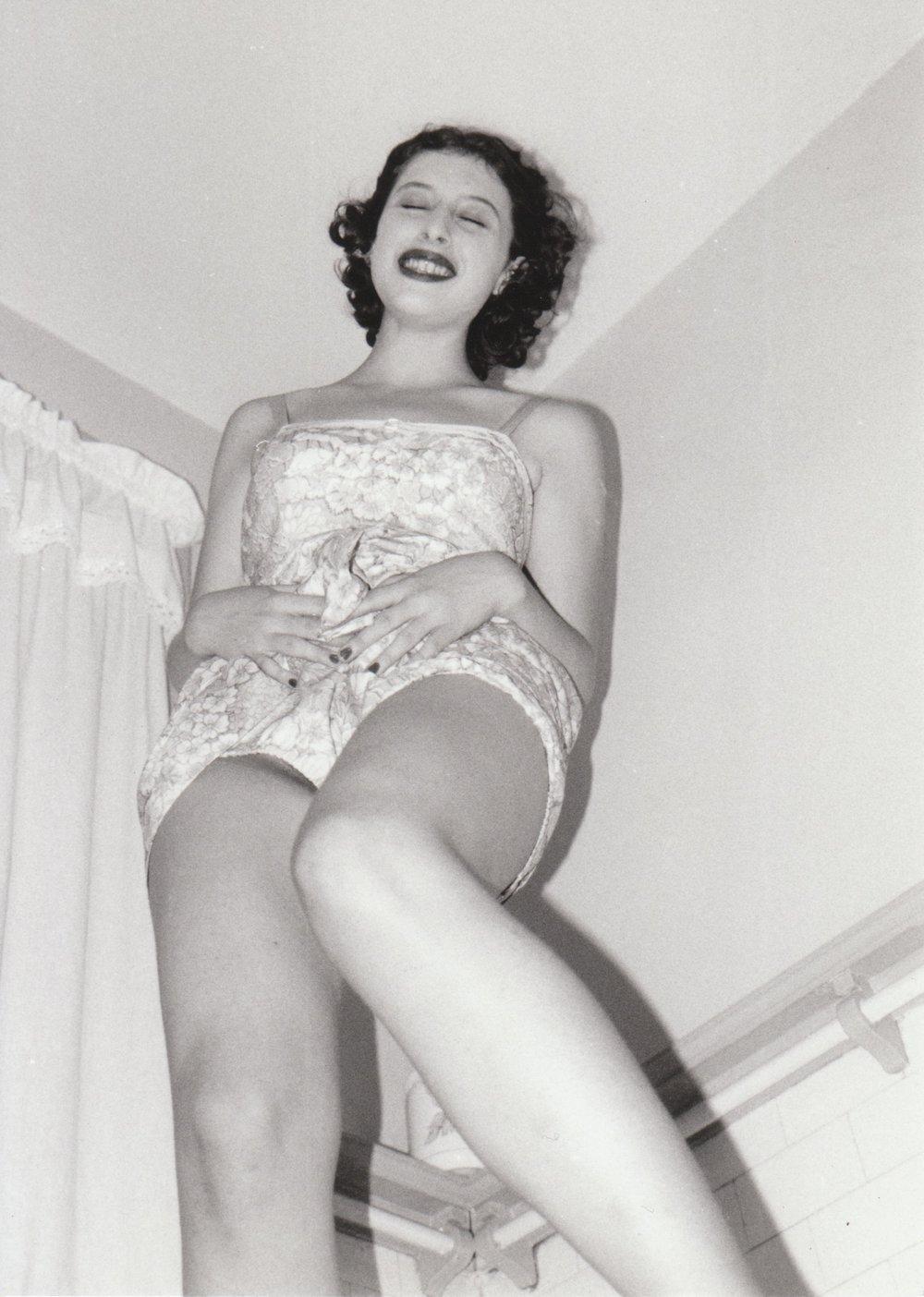 LH leanne pic bathroom laugh.jpeg
