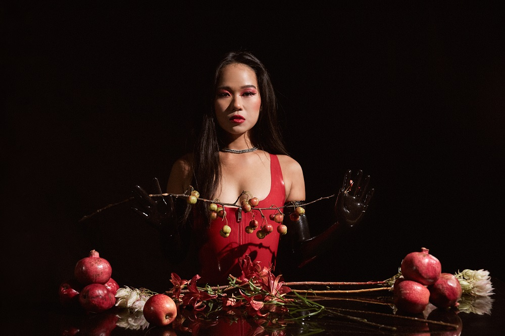Asian dominatrix Empress Wu