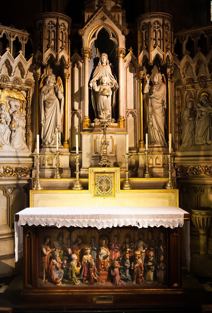 Lady chapel altar and reredos