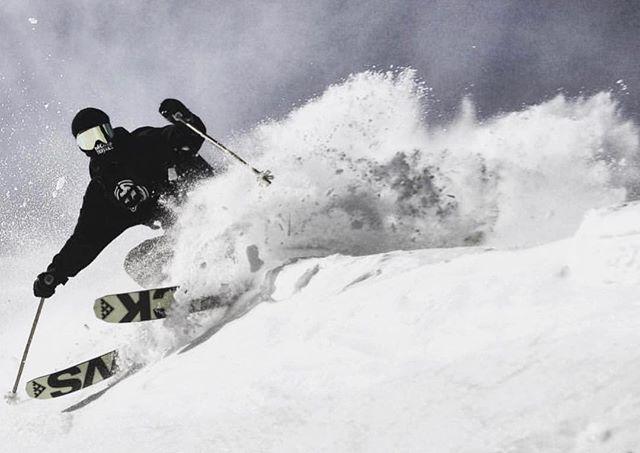 Dashing through the snow! ❄️ 📸: @_tg____  #GlobalSalesGuys #SolutionsForSpecialtyRetail • #christmasiscoming #countdownison #blackcrows_skis #blackcrows #skiing #ski #skimore #sendit #snow #powderday #powpow #winter