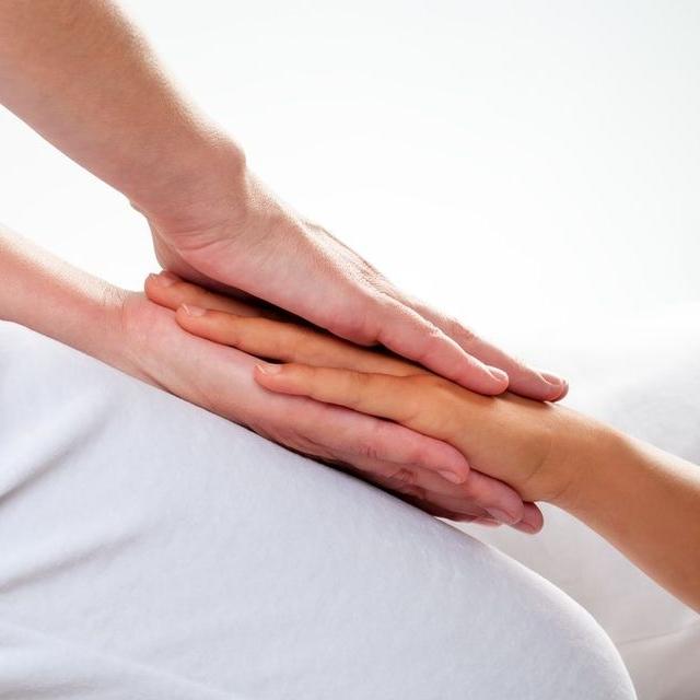 reiki-course-healing-someone-hands-on-hand.jpg