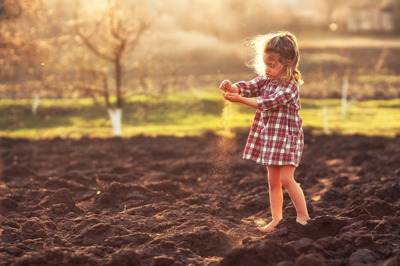 girl-on-organic-farm.jpg