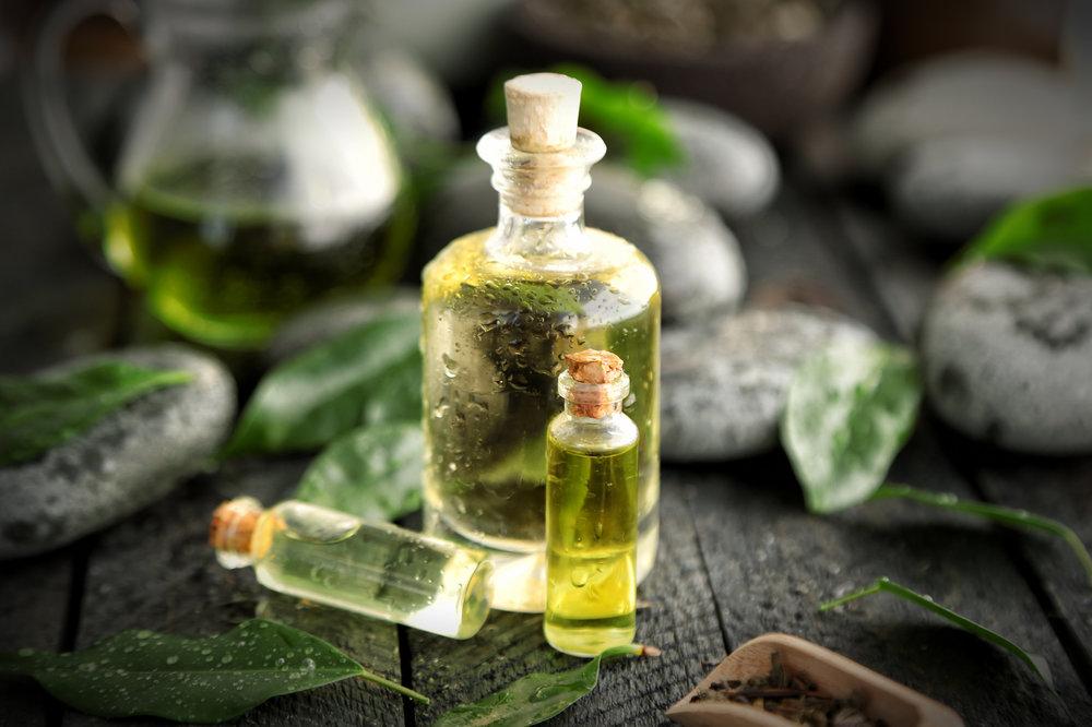 Tea-tree-oil-bottle (1).jpg