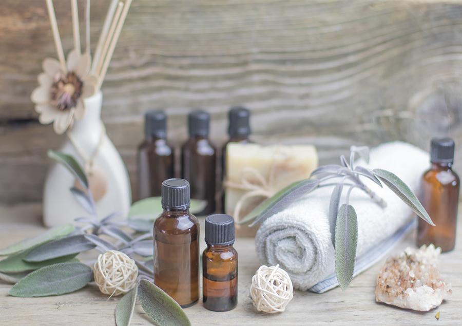 Essential-oils-aromatherapy.jpg