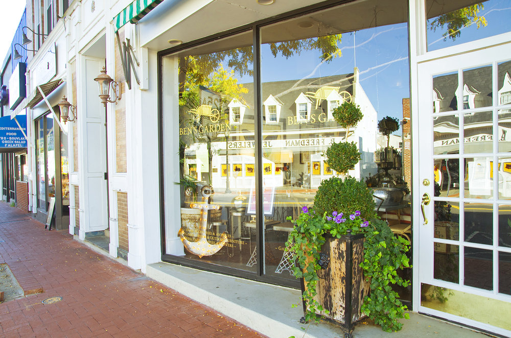 Kensington Estates Woodbury - Huntington - Shopping - 1.jpg