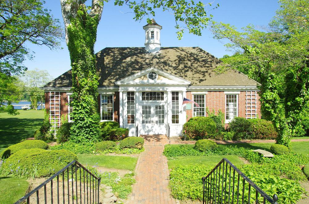 Kensington Estates Woodbury - Cold Spring Harbor - Park - 2.jpg