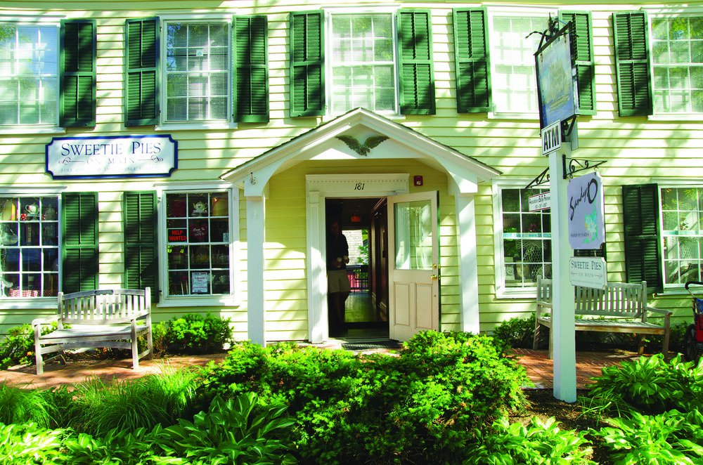 Kensington Estates Woodbury - Cold Spring Harbor - Sweetie Pies.jpg
