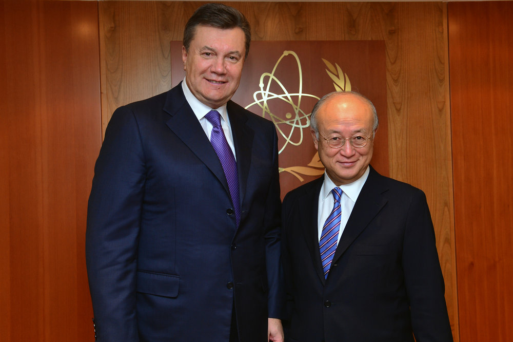 Then Ukrainian President Viktor Yanukovych pictured in 2013 at a meeting in Vienna with the Direct General of the International Atomic Energy Agency (IAEA) Yukiya Amano (Wikimedia Commons).