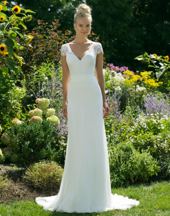 Sheath - This style of gown is slightly fitted but falls straight to the ground. It has a little flow but sticks to the straight silhouette. These gowns are best for straight body types or pear shapes.