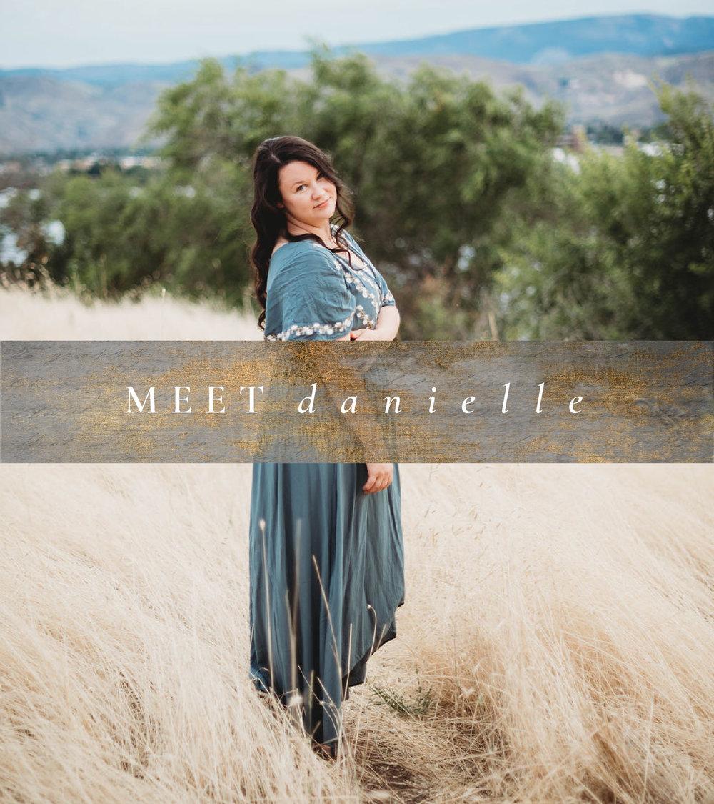 Danielle Louise Washington & Maui Destination Wedding Photographer. Specializing in Weddings, Portraits, Couples, Families and Boudoir in Maui, HI and Washington State, in Wenatchee, Seattle, Portland, Leavenworth, Spokane, Chelan