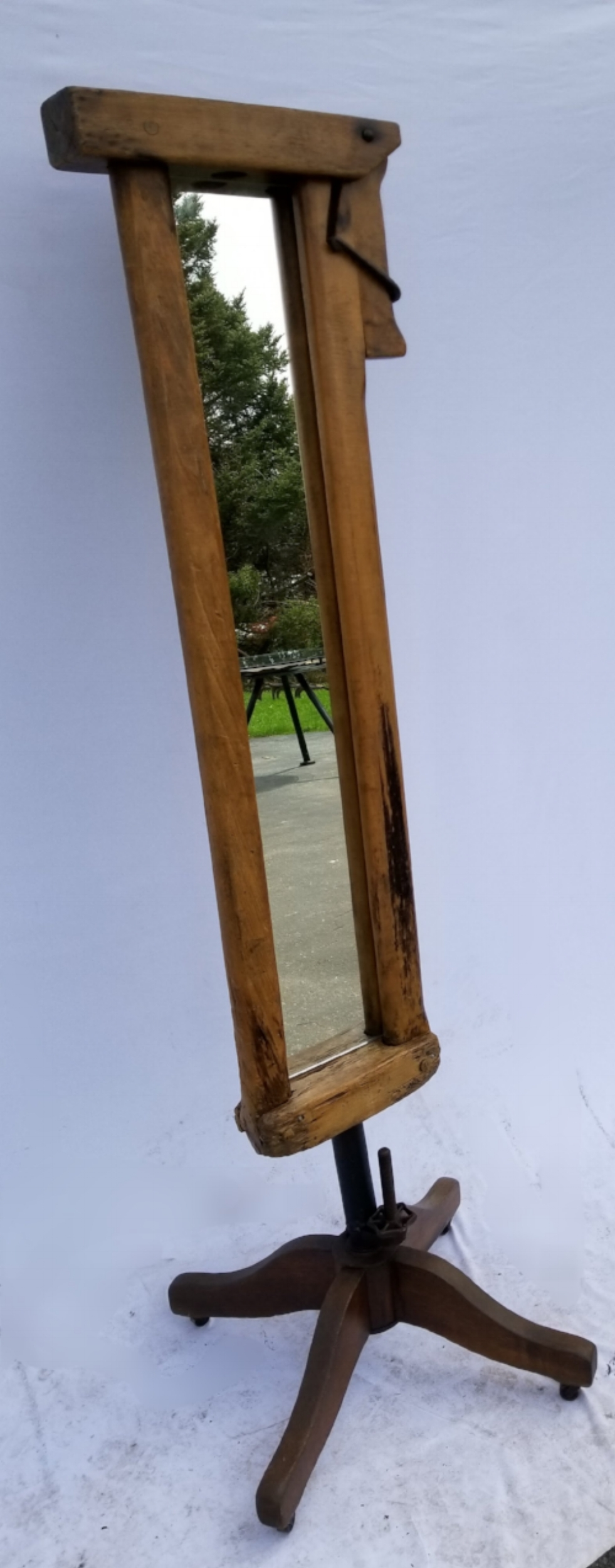 Stanchion Mirror w/Chair Base