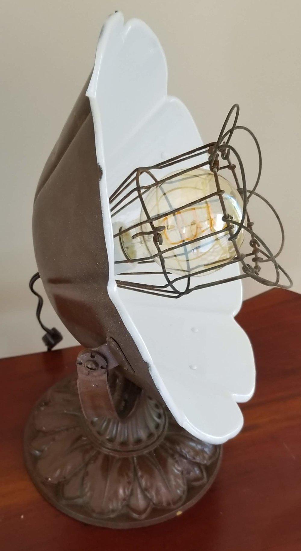 Fan Flower Table Light