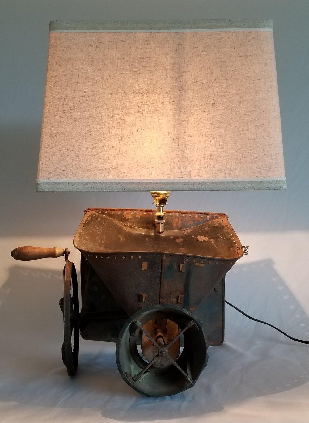 Seeder Table Lamp