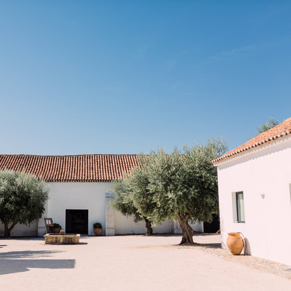 la maison in portugal - Join us this spring for a beautiful escape to the land of Portugal. 1.5hrs drive from Lisbon, Alentejo is rural Portugal lost in time, covered in cork trees & dotted with white washed villages. Herdade da Maxuqueira our home for the time is a 500yr old family run farm. the rustic & tastefully designed bedroom used to be the stables. The land is yours to explore as far as the eye can see. The whole place is made with love and you can really feel it.